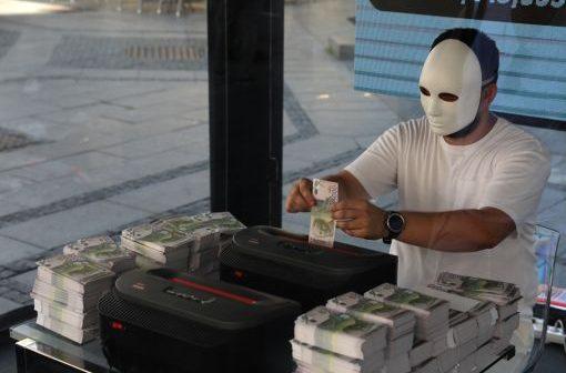 """U okviru kampanje """"Sviraj kraj!"""" Beograđanke i Beograđani od korupcije simbolično sačuvali preko 30 miliona RSD"""